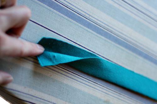 Knit-Blanket-Flower-Strip-Folded