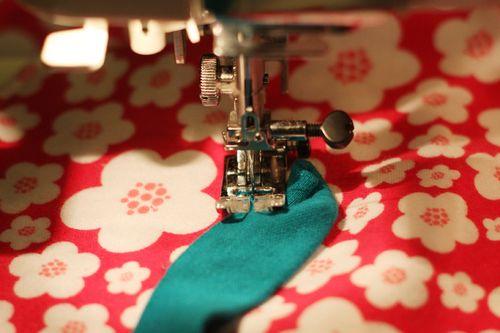 Knit-Blanket-Flower-Stitching-Step-1