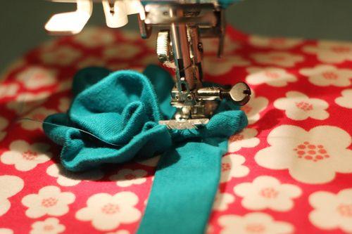 Knit-Blanket-Flower-Stitching-Step-2
