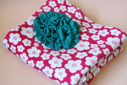 PY-Knits-Swaddle-Blanket-Flower-Folded