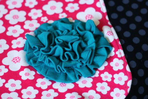 PY-Knits-Swaddle-Blanket-Flower