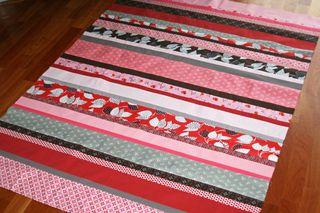 Red-FMF-strip-quilt-top